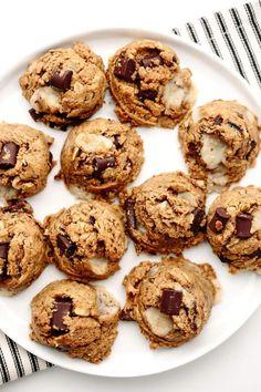 Peanut Butter Kitchen Sink Cookies   Vegan, Gluten-Free #cookierecipes #healthysweets Köstliche Desserts, Healthy Dessert Recipes, Cookie Recipes, Delicious Desserts, Cabbage Recipes, Broccoli Recipes, Fudge Recipes, Fish Recipes, Bread Recipes
