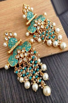 Indian Jewellery - The beauty of Indian jewelry not only lies in the uniqueness of its design but also the efforts of - Indian Bridal Jewelry Sets, Indian Jewelry Earrings, Jewelry Design Earrings, Ear Jewelry, Wedding Jewelry, Wedding Ring, Wedding Shoes, Jewelery, Antique Earrings