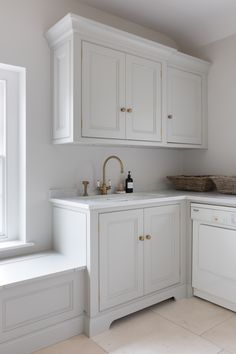Cranbrook Project - Humphrey Munson Kitchens Home Decor Kitchen, Kitchen Design, Country Kitchen, Kitchen Ideas, Small Tv Cabinet, Utility Room Designs, Grey Kitchens, Beautiful Homes, Beautiful Things