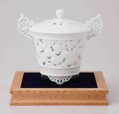 Tokyo Matcha Selection - [Premium] Arita White Porcelain Cencer : MUM - Fletwork Incense Burner w Base