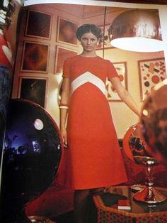 Vtg 1970s Vogue Pattern Magazine Catalog Book 1971