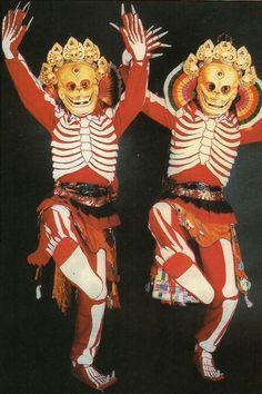 チベットの伝統行事「骸骨踊り」がかなり衝撃的   ARTIST DATABASE