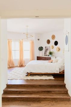 Modern Meets Boho In Paige Rangel's Phoenix, AZ Home This mama of three makes us want to move to Arizona, too! - Modern Meets Boho In Paige Rangel's Phoenix, AZ Home White Wall Bedroom, Bedroom Green, Narrow Bedroom, Bedroom Country, Bedroom Black, Interior Design Minimalist, Contemporary Bedroom, Bedroom Modern, Minimalist Bedroom