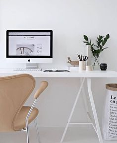 "Gefällt 2,678 Mal, 6 Kommentare - Design Your Workspace (@designyourworkspace) auf Instagram: ""The Beige Blast via @techmalism 🔎 #designyourworkspace ~ FREE Workspace Design Guide in Bio"""