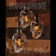 Lámpara de botella de cráneo Crystal Head Vodka por MoonshineLamp