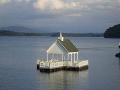 Floating wedding chapel on Douglas lake at The Mountain Harbor Inn in Dandridge, TN.