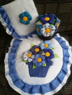 lenceria de baño Ideas Para, Origami, Diy And Crafts, Knitting, Crochet, Craftsman Bathroom, Bathroom Crafts, Denim Rug, Patchwork Designs