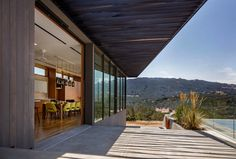Sonoma Lichen House by Schwartz and Architecture
