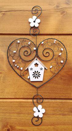 Wire Crafts, Metal Crafts, Jewelry Crafts, Diy And Crafts, Arts And Crafts, Copper Wire Art, Art Fil, Hanger Crafts, Wire Ornaments