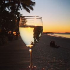 Ending the day with a glass of wine and sunset by Noosa Main Beach... Sounds like a perfect afternoon to us!