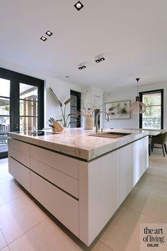 Kitchen Room Design, Modern Kitchen Design, Kitchen Decor, Kitchen Worktop, Island Kitchen, Round House, Kitchen On A Budget, Home And Deco, Cool Kitchens