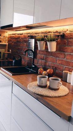 Ścianka wykonana za pomocą pięknej cegły CLASSIC MODERN Kitchen Island, Retro, Classic, Home Decor, Island Kitchen, Derby, Decoration Home, Room Decor, Classic Books
