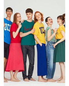 90년대 추억의 브랜드가 새로운 브랜드와 손을 잡고 화려하게 등장하는 요즘사진 속 알록달록한 컬러 티셔츠만 봐도 감이 오시죠? United Colors of Benetton 베네통(@benetton)입니다 일본의 셀렉트숍 아담 앳 로페(@adametrope) 입점을 기념해 협업 티셔츠와 스웻셔츠 팬츠 토트백을 선보였습니다테마는 'Nostalgia and Newness' 추억 속 브랜드의 변신에 딱 어울리는 말이죠? 특히 UCB 로고 티셔츠가 눈에 띄네요! (Gukhwa Hong) _ #ADAMETROPE has teamed up with #UnitedColorsofBenetton for a range of t-shirts sweatshirts pants and tote bag themed 'Nostalgia and Newness' to celebrate #Benetton being newly stocked at the retailer. #90s #UCB #Tokyo…