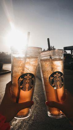 Starbucks cups are taking over Starbucks cups are taking over ,Misc. Reusable Starbucks cups to save the turtles. Café Starbucks, Starbucks Tumbler, Comida Do Starbucks, Bebidas Do Starbucks, Starbucks Secret Menu, Fun Drinks, Yummy Drinks, Yummy Food, Aesthetic Coffee