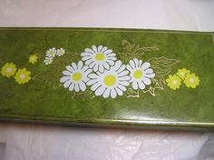 Vintage Box Avocado with Daisies 1970s by JewlsinBloom on Etsy, $8.00