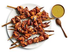 Grilled Chicken Tacos, Cilantro Chicken, Grilled Chicken Thighs, Chicken Skewers, Grilled Chicken Recipes, Marinated Chicken, Grilled Food, Braised Chicken, Grilling Recipes