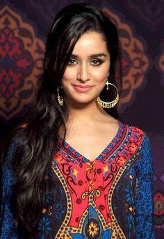 Buy shraddha Kapoor earrings in Jumkey.com