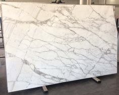 IMC stone is the source for the most unique natural stone slabs hand selected from over 47 countries. Stone Slab, Calacatta, Marble Floor, Marble Countertops, Natural Stones, Flooring, 3d, Decorating, Kitchen