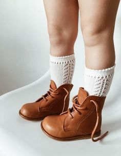 Knitted Baby Shoes - Multiple Colors - Vintage Kids shoes ideas for kids Knit Baby Shoes, Knit Baby Booties, Baby Boots, Baby Girl Shoes, Girls Shoes, Little Girl Boots, Kid Shoes, Little Girl Fashion, Baby Girl Fashion