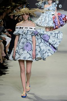 Viktor & Rolf at Couture Spring 2015