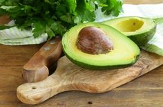 Aprenda técnica caseira para fazer o abacate amadurecer rapidinho - http://comosefaz.eu/aprenda-tecnica-caseira-para-fazer-o-abacate-amadurecer-rapidinho/