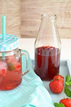 Sarahs Krisenherd: {kühle Sommererfrischung} Erdbeer-Minz-Schorle mit selbstgemachtem Erdbeersirup