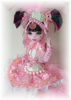 Custom Monster High Doll Draculaura  #pink #monsterhigh  #doll #draculaura #custom #pink