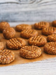 You'll need five ingredients and zero oven time to whip up healthy peanut butter cookies. You'll need five ingredients and zero oven time to whip up healthy peanut butter cookies. Vegan Sweets, Vegan Desserts, Healthy Desserts, Delicious Desserts, Yummy Food, Tasty, Cookie Desserts, Cookie Recipes, Dessert Recipes