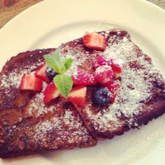 Have a delicious breakfast at Tastoe!