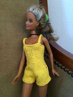 The sun is back … – Jacqueline& books - Diy Barbie Clothes, Barbie Clothes Patterns, Crochet Doll Clothes, Diy Clothes, Clothing Patterns, Barbie Knitting Patterns, Crochet Dolls Free Patterns, Barbie Song, Barbie Dress