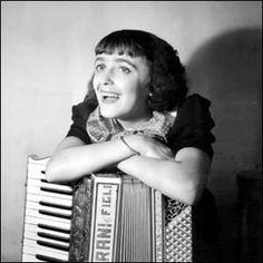 1915 Edith Piaf, vocalist.  b. Paris (Ménilmontant), France d. Oct. 11, 1963, Paris, France. (Cancer) Age: 47. née: Edith Giovanna Gassion.