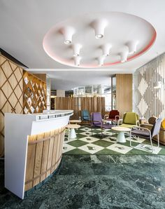Moderno y atractivo #DiseñoDeInteriores del nuevo #Poncelet Cheese Bar de Barcelona, con increíble #alfombra de nuestra firma @alfombraskp