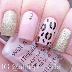 Pink gold glitter and leopard nails Love Nails, Pink Nails, Pretty Nails, Beautiful Nail Designs, Cute Nail Designs, Nail Time, Happy Nails, Nail Polish Art, Nail Envy