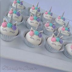 64 Ideas cake pops unicorn baby shower for 2019 Baby Shower Cupcakes For Girls, Baby Shower Cake Pops, Unicorn Themed Birthday, Cake Birthday, Unicorn Party, Unicorn Cake Pops, Pecan Cake, Unicorn Baby Shower, Salty Cake