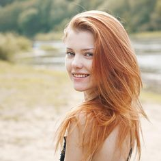Do redheads get stung by bees more often?
