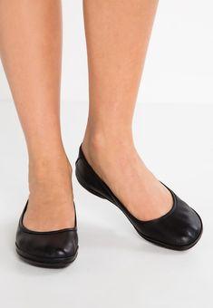 VI-S - Laufschuh Natural running - black @ Zalando. Camper, Ballerina Shoes, Ballet Flats, Ballerinas, Vibram Fivefingers, Yoga Pilates, Black Running Shoes, Loafers, Womens Fashion