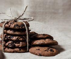 Soft cookies σοκολάτας   Συνταγή   Argiro.gr Cookies, Chocolate, Cake, Ethnic Recipes, Desserts, Food, Drinks, Christmas, Crack Crackers