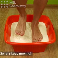 """Non-Newtonian fluid"" experiment Is there anyone who wants to walk on water?🏃‍ For step-by-step instructions click ""Visit"" Science Projects For Kids, Fun Crafts For Kids, Science Fair, Science For Kids, Activities For Kids, Physical Science, Science Education, Science Classroom, Summer Crafts"