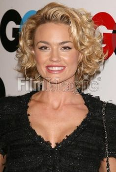 Resplendent Women Hairstyles French Ideas Kelly Carlson (Nip Tuck's Kimber) has great hair Kelly Carlson, Thin Hair Cuts, Curly Hair Cuts, Curly Hair Styles, Haircuts For Curly Hair, Cool Hairstyles, Fine Curly Hairstyles, Medium Length Curly Hairstyles, Hair Affair