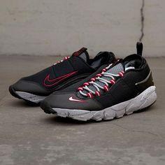 Nike Air Footscape kom till under 90-talet då en mängd olika skor och unika modeller togs fram. Footscape togs fram i syftet att förbättra komforten för foten på ett anatomiskt korrekt sätt, desigen var sekundär just då. Det är långt ifrån alla som gillar Footscape men kollar man runt bland folk som gillar sneakers och främst då i UK och Asien så är Footscape en hyllad modell. Nog om det, VI på Footish älskar modellen och ni finner den inom kort på footish.se #nike #airfootscape…