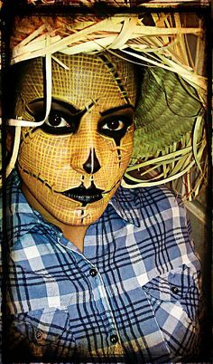 Halloween Makeup Look - Scarecrow.....love how she captured the burlap texture!