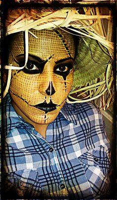 Halloween Makeup Look - Scarecrow.....love how she captured the burlap texture!