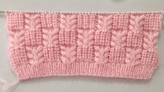This mesh stitch knitting pattern is both lacy and beautiful! There are unlimited knitting projects that you can make with this mesh stitch. Bandeau Crochet, Crochet Cord, Easy Crochet, Crochet Baby, Crochet Granny, Headband Crochet, Knitted Baby, Blanket Crochet, Crochet Beanie