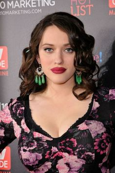 Beth behrs, People and Kat dennings