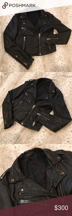 🔥TopShop Boutique Shrunken Leather Biker Jacket TopShop Boutique Shrunken Leather Biker Jacket in black, size 2. 100% genuine leather biker jacket, soft as butter. Amazing hardware zipper detail allover, making this rare piece by TopShop Boutique a standout piece. Topshop Jackets & Coats