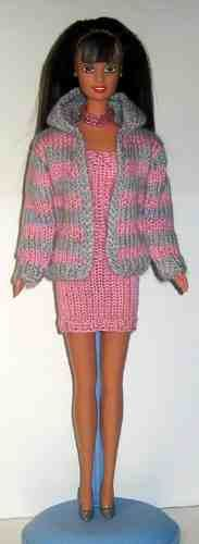 Crocheted ball dress for Barbie-doll - Inspiration: Annie's Ms. November modified for play. Barbie Knitting Patterns, Knitting Dolls Clothes, Barbie Clothes Patterns, Crochet Barbie Clothes, Knitted Dolls, Clothing Patterns, Crochet Toys, Crochet Short Dresses, Free Barbie