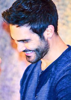 crinkly-eyed smile :) is there anything better? Let's not loose Tyler Hoechlin to obscurity.