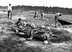 African American soldiers collect bodies from a battlefield in the final days of the Civil War. A Burial Party, Cold Harbor, Virginia, negative April print The J. Mississippi, Battle Of Cold Harbor, Most Haunted Places, War Photography, Vintage Photography, Civil War Photos, American Civil War, American Soldiers, American Presidents