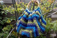 LINDE WOMAN'S WEB: Granny Bag of a Granny Square instructions