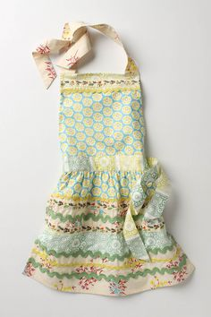 Love this kid's apron from Anthropologie. A DIY version would be fun to try!